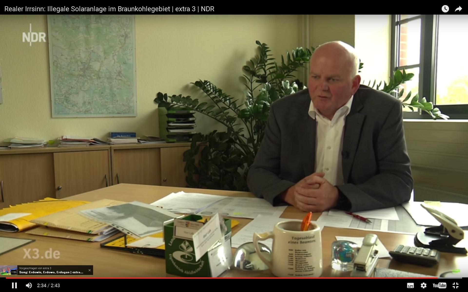 Der eigene Schreibtisch - Freud und Leid des Staatsdieners